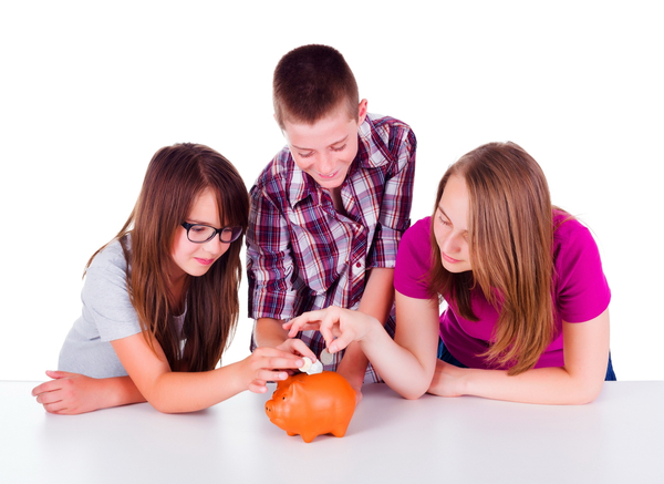 How Students Are Able to Save Their Money?